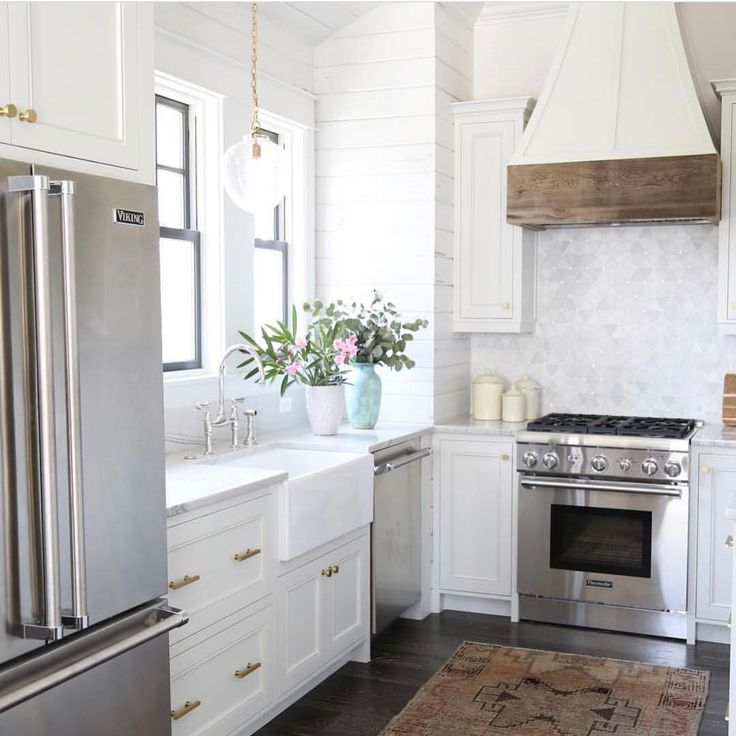 10 Beautiful White Beach House Kitchens: Best 25+ White Coastal Kitchen Ideas On Pinterest