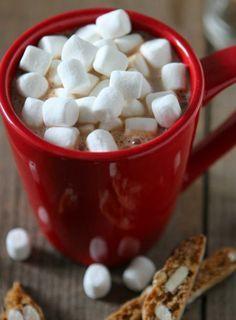 Darf bei keinem Kindergeburtstag fehlen: heiße Schokolade mit Marshmallows: http://www.gofeminin.de/kochen-backen/heisse-schokolade-rezepte-s1711970.html