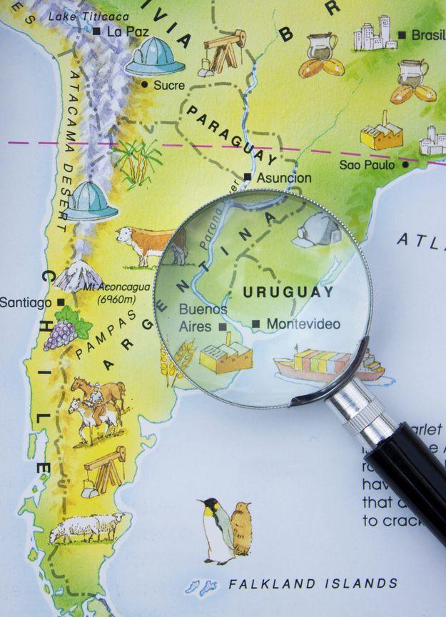 Aquí está Uruguay, al lado de Argentina y Brasil. | 21 Razones por las cuales te tienes que mudar a Uruguay en 2014
