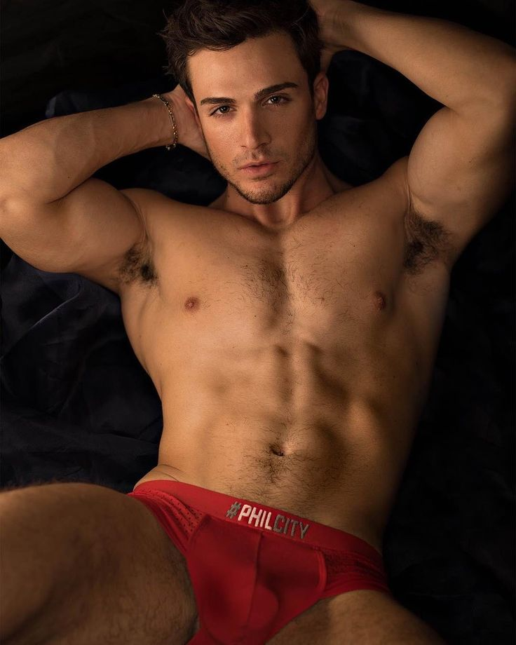 "Male Form and Beauty (@maleformandbeauty) na Instagramu: ""Philip Fusco by Jade Young  Model ⭐️ @philipfusco  Photographer 📸 @jadeyphoto . . . #male #model…"""