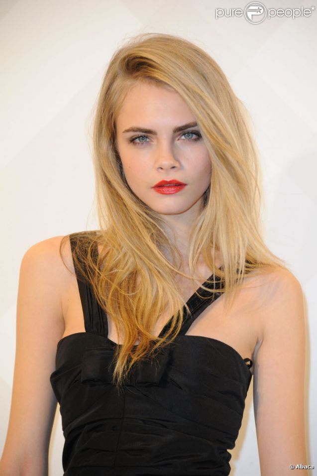 Her hair is awesome Violette en 2019 Cara delevingne