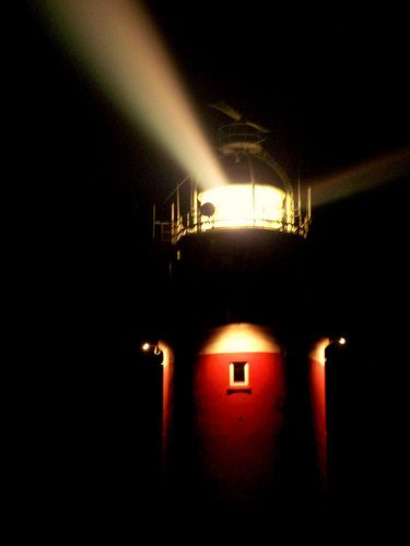 #Lighthouse Texel at night http://www.roanokemyhomesweethome.com/