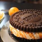 A l\'approche d\'Halloween, je vous propose de réaliser ce gâteau halloween XXL en forme de gros cookie ! Le chocolat tranche bien avec le glaçage orange, c\'est un gâteau qui fait sensation. Je l\'ai réalisé en collaboration avec Raiza, blogueuse américaine / brésilienne qui vit à Brooklyn près de New ...