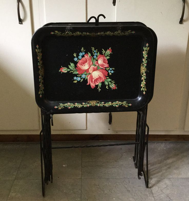Vintage TV Trays With Iron Legs and Stand Tole Painted TV Trays by Nogginsandnapes on Etsy https://www.etsy.com/listing/237436234/vintage-tv-trays-with-iron-legs-and