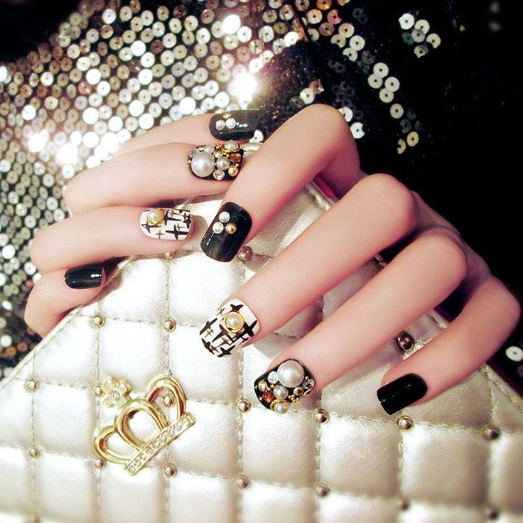 Luxe Black White Gold Rhinestone and Pearl Square 24 Piece Nail Set