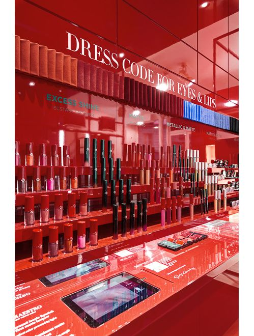 Le pop up store Giorgio Armani Beauty dans le Marais à Paris