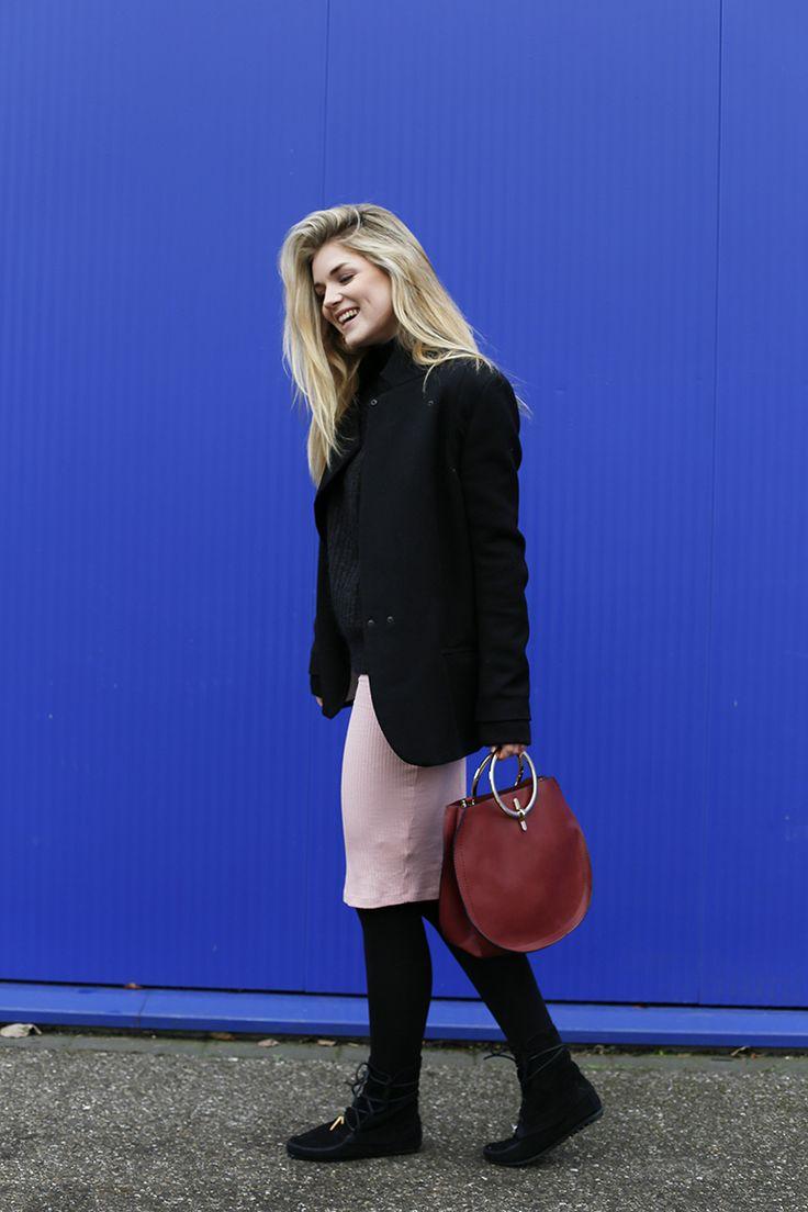 Minnetonka x Maje, Zalando kortingscode, E-kortingscode, fashion deals, Minnetonka laarzen, fringe boots, Minnetonka trend, etnisch, pantoffels, fashionblogger, fashion is a party, casualchic, collage vintage, outfit, roze rok, veterlaarzen, suede enkellaarzen, zwarte enkellaarzen http://www.fashionisaparty.com/2017/01/minnetonka-x-maje.html/