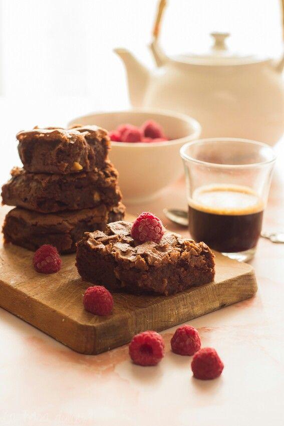 Brownie de chocolate con harina de maíz y frutos secos #singluten #sinlactosa