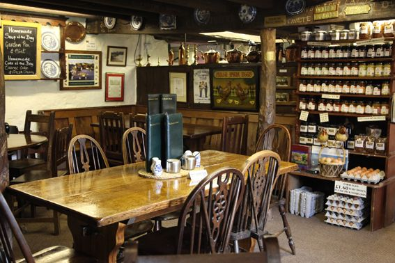 Tu Hwnt I'r Bont: Inside the tearoom