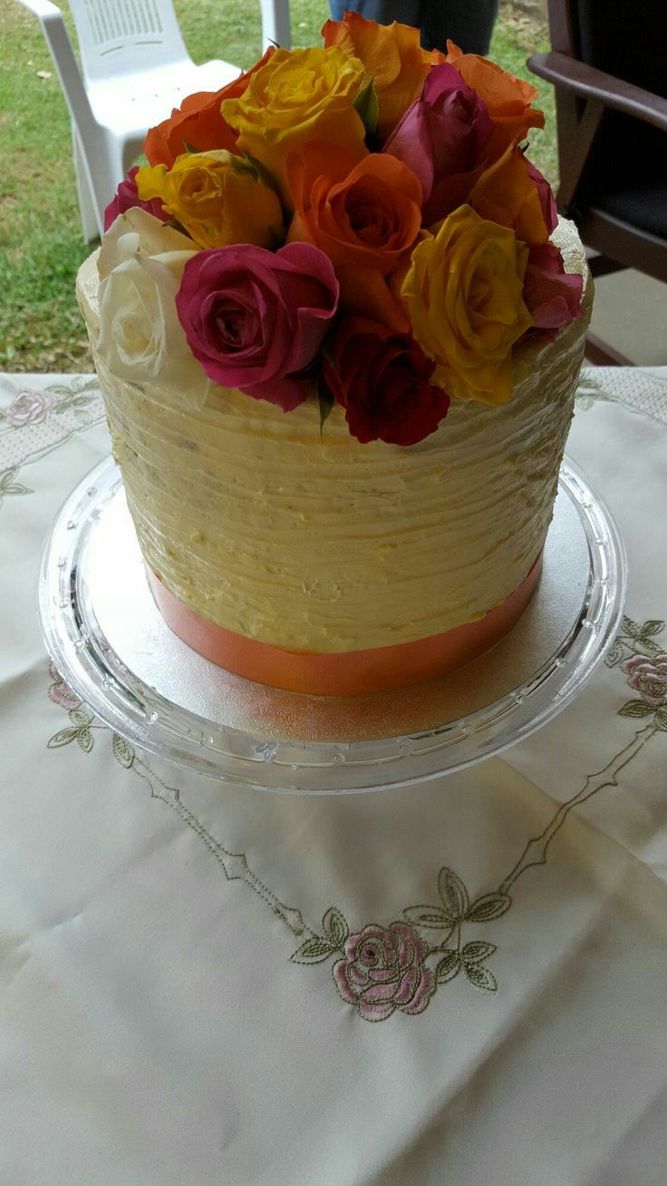 Textured buttercream and fresh flowers