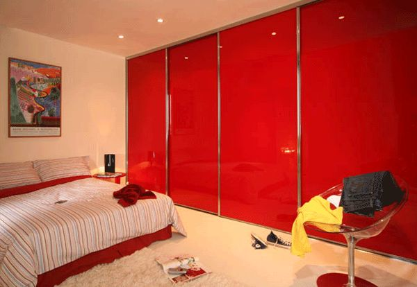 red glass chrome frame.gif 600×414 pixels