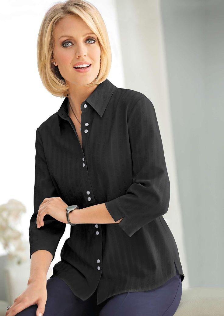 #Bluse mit dezenten Streifen in Hemdkragenform in edlem schwarz ©Atelier Goldner Schnitt | www.ateliergs.at