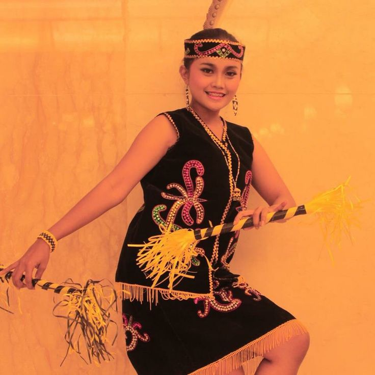 Giring-Giring Dance - East Borneo Province #Traditional #Dance #Indonesia