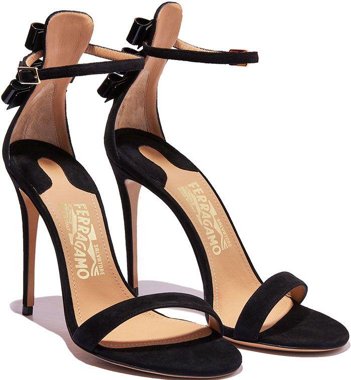 Salvatore Ferragamo Strappy sandals I8kCoEe3S