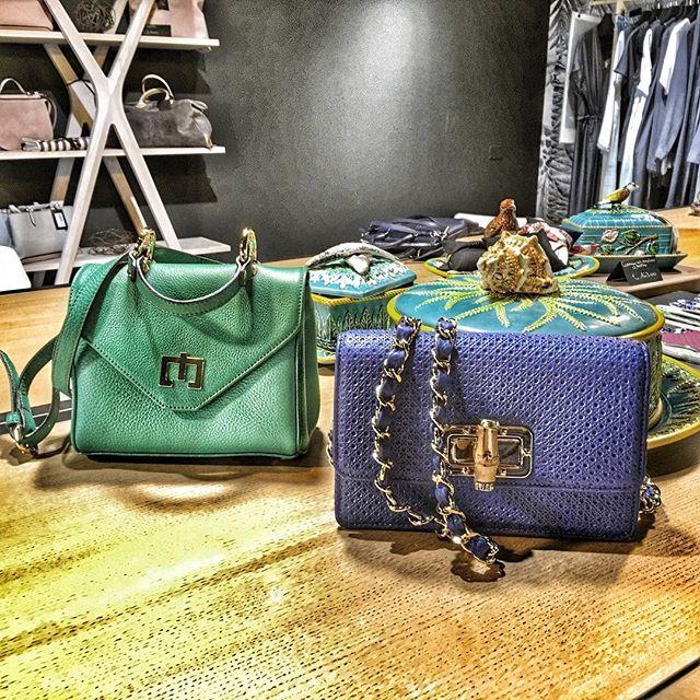 #turquoise #hongkong #zenati #luxurybag #luxurybrand #handbags #lucuryshop #luzurylifestyle #zenatishop #zenatibags #lovemyjob #instyle #musthave