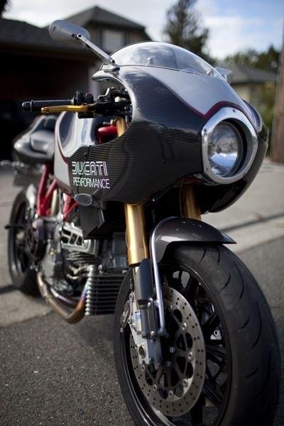 Ducati 900 MH2 custom. Gotta love that carbon!