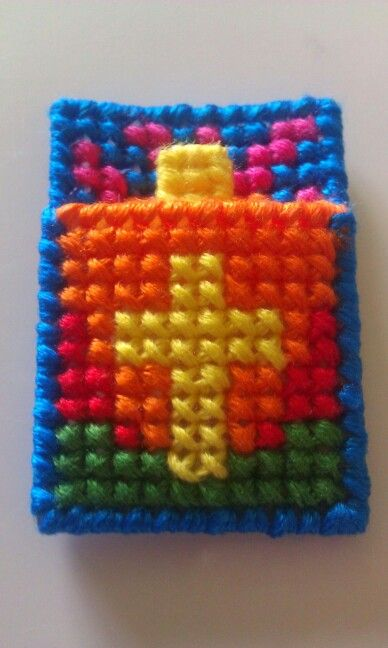 464 best plastic canvas images on pinterest plastic for Cross in my pocket craft