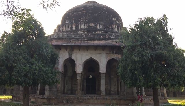 Delhi Tourism: Tomb of Sikandar Lodi, Lodi Garden