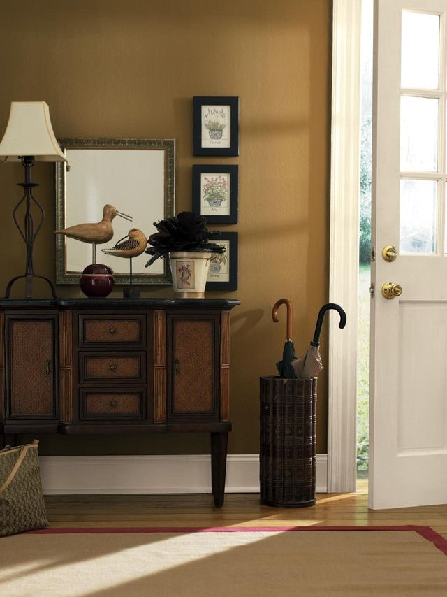 Paint Colors For Foyer And Hallway : Get the first look at designer s top picks for foyer paint