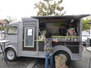 camion hy food truck for my mobile cafe. Black Bedroom Furniture Sets. Home Design Ideas