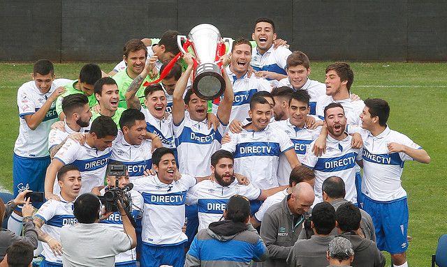 Con la copa del Campeón