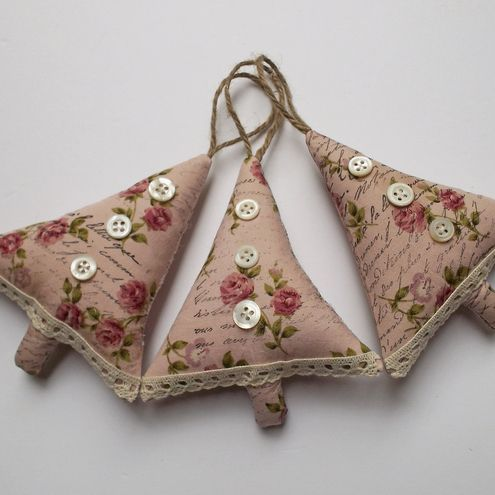 Set of 3 Shabby Chic Christmas Decorations - I want these!  Adorable.
