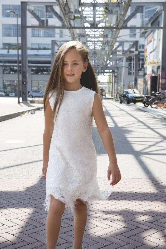 Jurk van So Cute! Bruidsmeisje, bruidsmeisjesjurk, communiejurk, feestjurk, verjaardagsjurk, kinderkleding, meisjes jurk, bruiloft, trouwen, bruidskinderen, exclusief, op maat, kinderfeest Bridesmaid, flower girl, wedding, bridal, christening, girl, dress, children wear, children clothes, kids couture, party dress, exclusive, baby www.socutefashion.com