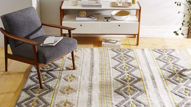 10 tapis qui volent la vedette | CHEZ SOI Photo: ©West Elm #tapis #deco #idees #inspiration #accessoire