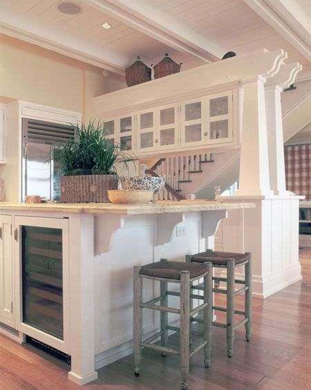10 best arts and crafts beach bungalow images on pinterest for Coastal craftsman interiors