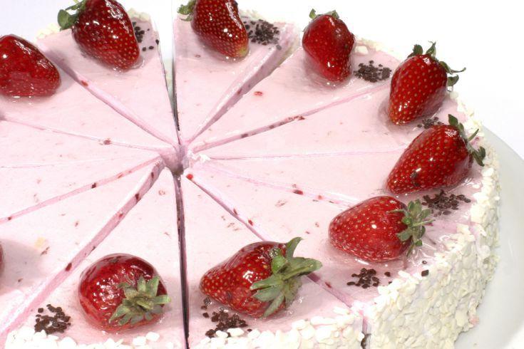 Zmrzlinová torta s jahodami