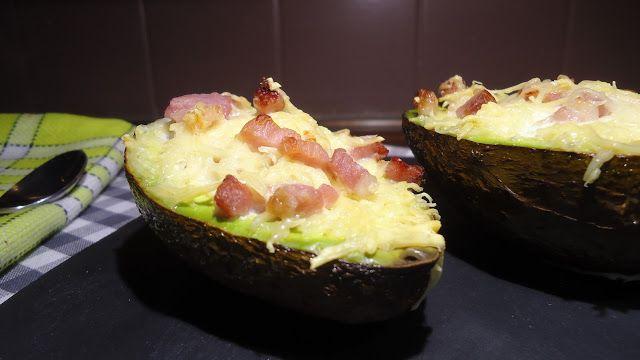 bonapp: Авокадо с яйцом, сыром и беконом. Вкусный завтрак.