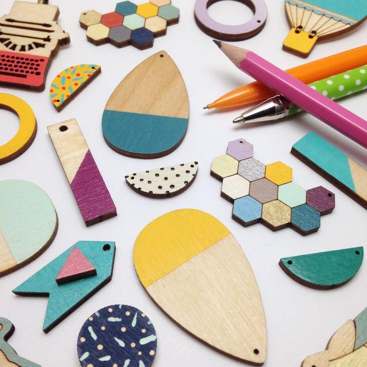 #woodenjewellery #woodenpendants #redpaperhouse #colourfuljewellery #jewellery #contemporaryjewellery #geometricjewellery #etsyjewellery #hexagonnecklace #honeycombnecklace