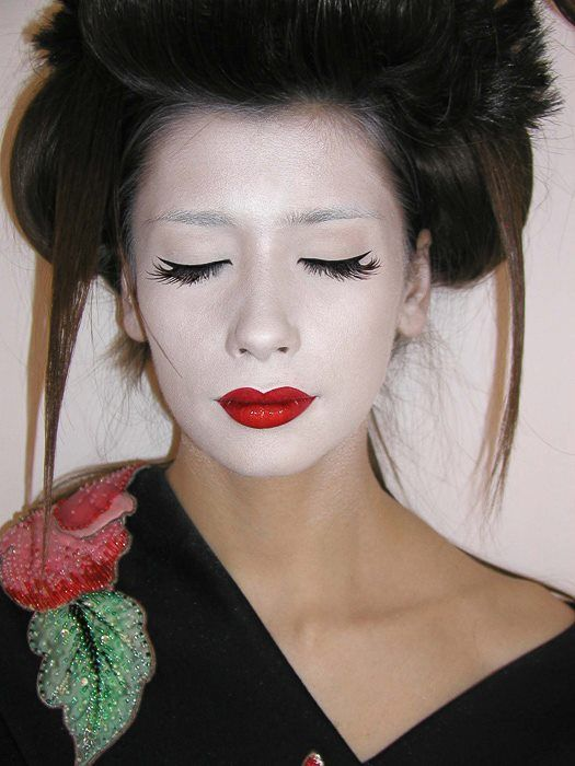 GEISHA by Alex Abagiu #makeup #beauty #geisha #beautydistrict
