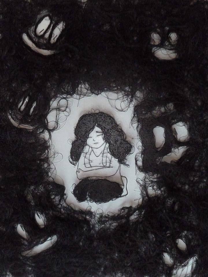 """Titulo de la obra: """"Bullying"""" Técnica: Fotografía Material: Hilo negro (No es cabello jaja xD ) Tamaño:11x14 Inspiración: Vik Muniz Nombre: Tiffani Amber"""