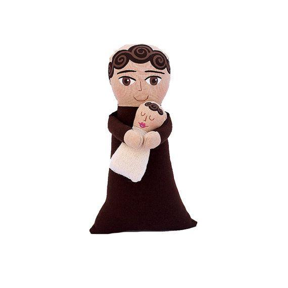Nuestro Santo patrón de San Antonio,Tultitlán, en el Estado de México, en una tierna versión, ideal para todos que necesitan de sus favores. Si te urge un milagro ¡ponlo de cabeza! Pintado a mano.  #artdoll #mexicandoll #muñecadearte #muñecamexicana #mayeb #hechoamanoconelcorazon #mexico #sanantonio #snantonio #santo