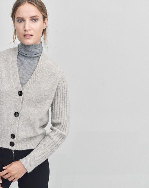 Cropped Raglan Cardi Dove - Knitwear - Shop Woman - Filippa K