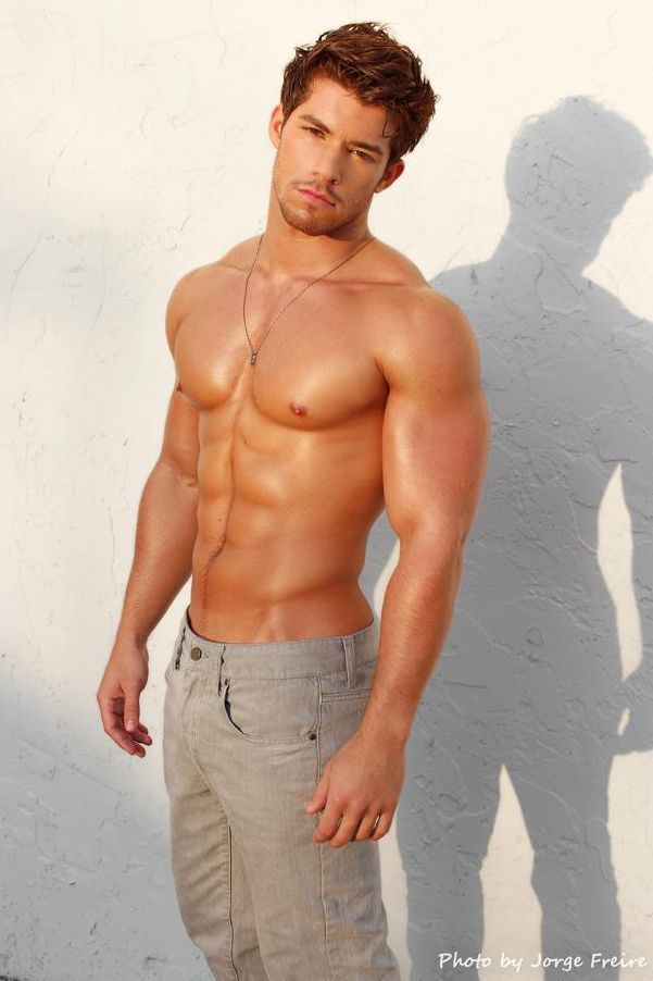 Hot Masculine Latino Guy Shows Off His Rock Body