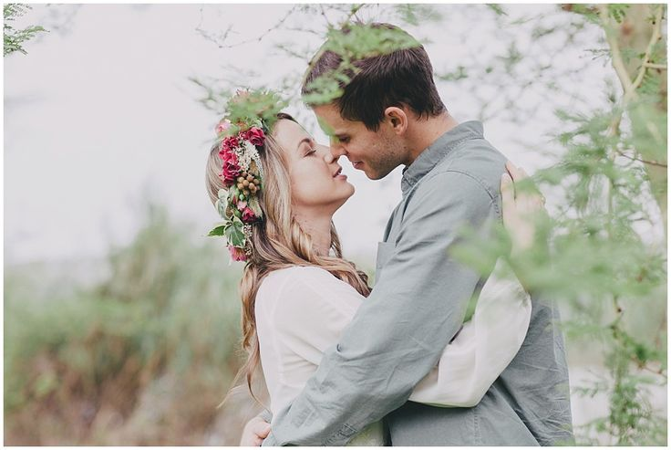 www.vanillaphotography.co.za - Styled engagement shoot, flower crown, couple