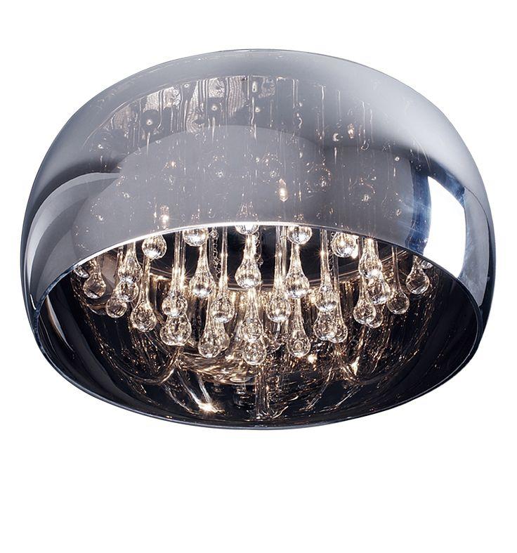 Plafon Zuma Line Crystal o korpusie wykonanym z chromowanego metalu. Szklany klosz został dodatkowo ozdobiony kryształkami.