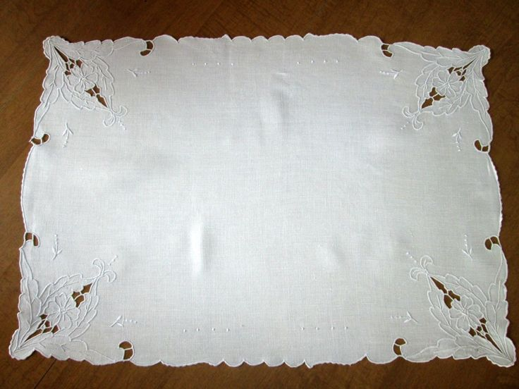 "Doily Vintage Madeira Embroidered Linen Light Ecru 15 3 4"" x 22 1 2"" 