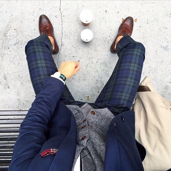 Looks Masculino pra Festa Junina. Macho Moda - Blog de Moda Masculina: Roupa de Homem para Festa Junina: Dicas de Looks para Festas Juninas. Moda Masculina, Moda para Homens, Roupa de Homem, Moda Masculina 2017, Calça Xadrez Social, Sapato Marrom Masculino