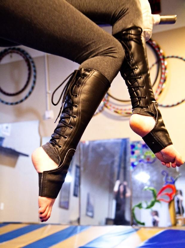 Aerialist's boot style shin guards
