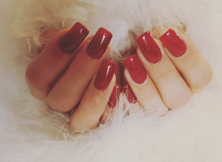 Red Bride's Nails door Christel Audenaerd van Blue Sage