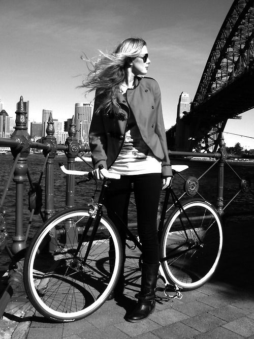 Cycle Chic - those handlebars look really uncomfortable