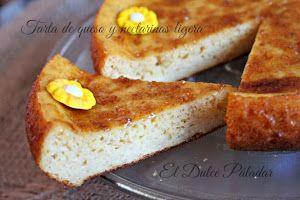 Tarta ligera de queso y nectarinas. Para disfrutar sin añadir demasiadas calorías. Nos apuntan cómo hacerla desde el blog El Dulce Paladar.