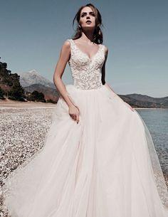 tona Νυφικα 2017#ρομαντικα νυφικα#νυφικα με εντυπωσιακη πλατη#γοργονε νυφικα#νυφικα με δαντέλα#νυφικα αερινα#νυφικα σε ίσια γραμμή#crop top νυφικα#www.istoriesgamou.gr