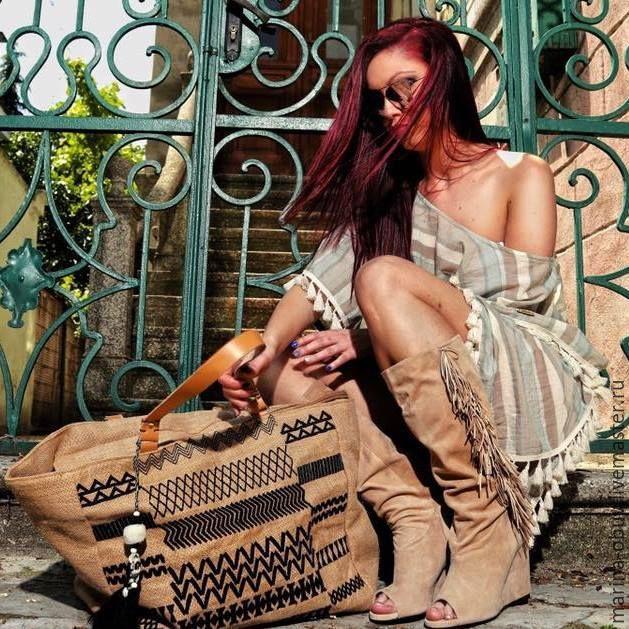 Купить Сапоги летние кожаные на танкетке с бахромой открытые спереди - сумка женская, сумка вместительная