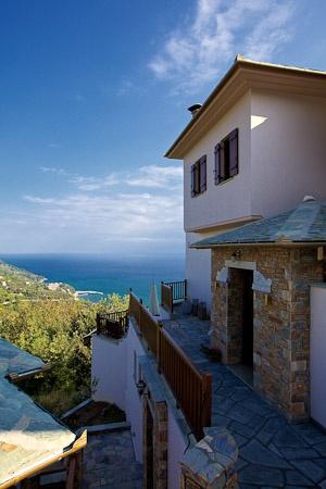Lions Nine Studio & Suites  Mouresi Tsagarada  Pelion Magnesia   Greece  www.lionsnine.gr