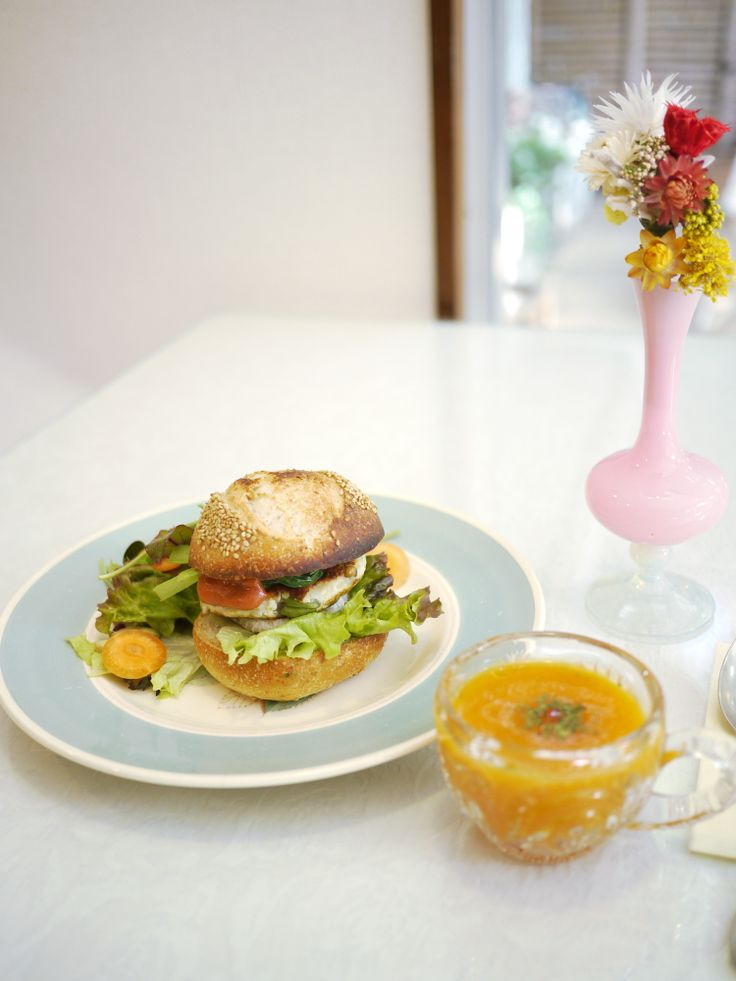 vegan lunch, vege burger www.nanadecor.com