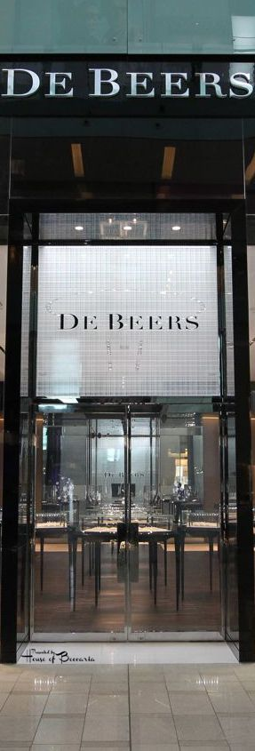 ~De Beers, The Dubai Mall | House of Beccaria#
